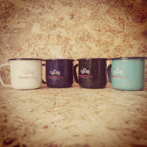 Mugs en peltre para café